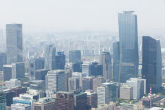 SEUL, COREA - 24 DE ABRIL DE 2015: Vista de Seul a partir del 63 que construyen Foto de archivo libre de regalías