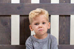 Seul enfant triste de garçon Images stock