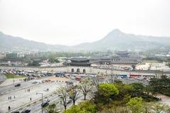 SEUL KOREA, Kwiecień, - 12, 2014: Widok Gyeongbock Gwa i pałac Zdjęcia Royalty Free
