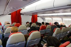 Seul Południowy Korea, Grudzień, - 17, 2015: Niezidentyfikowani podróżnicy w Thai AirAsia X Aerobus A330-300 wnętrzu Zdjęcia Stock