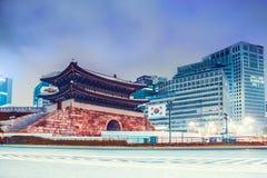 Seul Południowy Korea, Sierpień, - 08, 2015: Noc strzał Dongdaemun brama w centre Seul - Południowy Korea Obraz Stock
