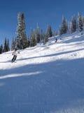 Seul skieur Photographie stock libre de droits