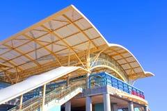 Seule architecture de gare de passage rapide - BARONET Images libres de droits