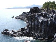 Seule falaise de roche Photo stock