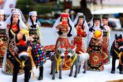 Sevan, Armenien - 25. September 2016: Die armenische alte Puppenandenken, die vom Stoffgewebe in den nationalen Kostümen gemacht  Lizenzfreie Stockfotografie