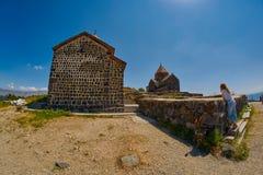 SEVANAVANK monaster, ARMENIA - 02 2017 SIERPIEŃ: Sławny Sevanavan Obraz Royalty Free