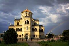 Sevastopol Krim - Juni 2011: Vladimir Cathedral i Chersonesos - den ortodoxa kyrkan av Moskvapatriarchaten royaltyfri bild