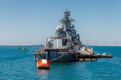 SEVASTOPOL KRIM - MAJ 9: Ståta av krigsskepp Arkivfoton