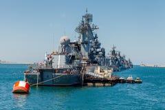 SEVASTOPOL KRIM - MAJ 9: Ståta av krigsskepp Royaltyfria Bilder