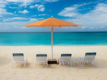 Seven Mile Beach-Parasol stock image