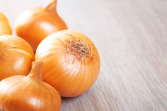 Several onions on the table Royalty Free Stock Photography