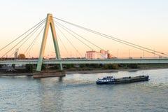 Severinsbridge Cologne solnedgång arkivfoton