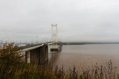 Severn桥梁,连接威尔士的吊桥用Engla 库存图片