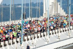Severn Bridge Half Marathon, Gloucestershire, het UK Stock Foto's