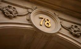sevety nummer för hus åtta Arkivfoton