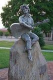 Sevierville, Tennessee usa - Maj 19, 2019: Dolly Parton statua w w centrum Sevierville obrazy royalty free