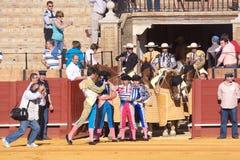 Sevilha - 16 de maio: Preparar-se para o excitamento na tourada Imagens de Stock Royalty Free