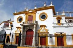 Sevilha, Spain: Entrada da arena do de Toro da plaza Foto de Stock