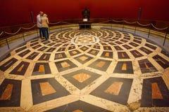 Sevilla, Andalucía, España - 27 de marzo de 2008: El interior de la catedral de Sevilla Fotos de archivo libres de regalías