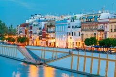 Sevilla Argine della città lungo il Guadalquivir immagini stock
