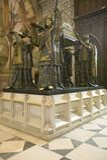 In Sevilla Cathedral, is Zuidelijk Spanje, het mausoleum-monument en het overladen graf van Christopher Columbus waar vier dre aa Royalty-vrije Stock Afbeelding