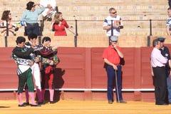 Sevilla - 16 de mayo: El conseguir listo para el entusiasmo en la corrida Imagen de archivo libre de regalías