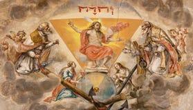 Sevilla - der Fresko wieder belebte Christus auf der Decke des Presbyteriums in der Kirche Hospital de Los Venerables Sacerdotes Stockbild