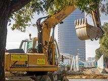 SEVILLA, ESPAÑA - 12 DE FEBRERO DE 2015: Torre Pelli bajo construcción Fotos de archivo libres de regalías