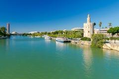 Sevilla Goldener Kontrollturm stockfotos