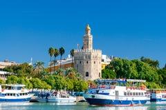 Sevilla guld- torn Arkivfoton