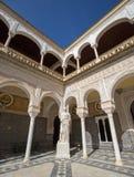 Sevilla - het exemplaar van antiek standbeeld Pallas Pacifera in de Binnenplaats van Casa DE Pilatos Stock Foto's