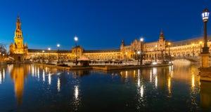 Sevilla på natten royaltyfri foto
