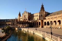 Sevilla, Plaza DE España, koninklijk paleis en kanaal stock afbeeldingen