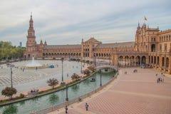 Sevilla, Spagna - ottobre 2018: Square Plaza de Espana spagnolo a Sevilla in un bello giorno di autunno fotografia stock