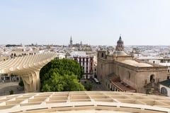SEVILLA, SPANIEN - MAI 2017: Panoramablick über Sevilla vom Dach von Metropol-Sonnenschirm Lizenzfreies Stockbild