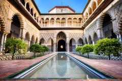 SEVILLA, SPANIEN: Wirklicher Alcazar in Sevilla Patio de Las Doncellas im königlichen Palast, wirklicher Alcazar im Jahre 1360 er stockfotos