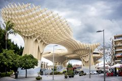 SEVILLA - SPANJE: Metropolparasol in Plein Encarnacion, Andalusia provincie stock afbeeldingen