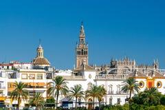 Sevilla Turm Giralda lizenzfreie stockbilder