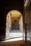 Sevilla, umbral adornado en una casa noble fotografía de archivo