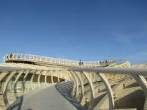 Seville, Hiszpania Stara ćwiartka - Metropol Parasol przejście - obraz royalty free