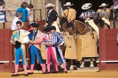 Seville, Maj - 16: Dostawać przygotowywający dla podniecenia przy bullfight obrazy stock