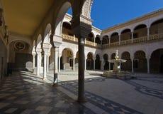 Seville - podwórze Casa De Pilatos fotografia stock