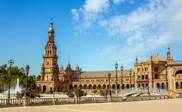 seville spain Den Spanien fyrkanten eller Plaza de España är ett gränsmärkeexempel av renässansnypremiärstilen i Spanien arkivfoto