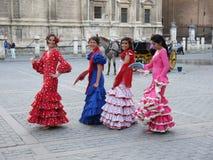 Seville Spain/16th April 2013/A grupp av unga spanska damer I arkivfoton