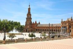 SEVILLE SPANIEN - JUNI 14, 2018: Spanien fyrkant Plaza de Espana arkivbild