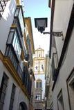 Sevilles typiska gata Arkivbilder