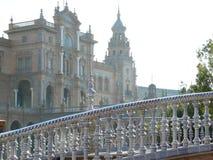Sevillla Spanien, 01/02/2007 Royal Palace fyrkant Bro fotografering för bildbyråer
