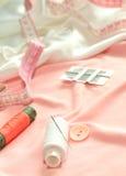 sewing. agulha e linha Fotos de Stock