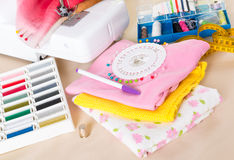 Sewing machine and sewing accessories Royalty Free Stock Photography