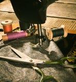 sewing Naaimachine en hulpmiddelen royalty-vrije stock foto's
